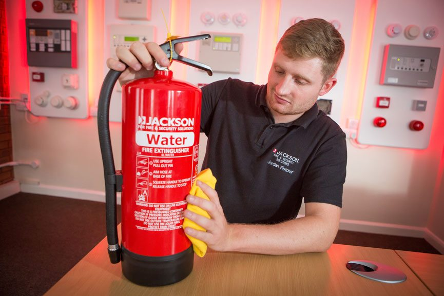Fire extinguishers: how long do they last and how often
